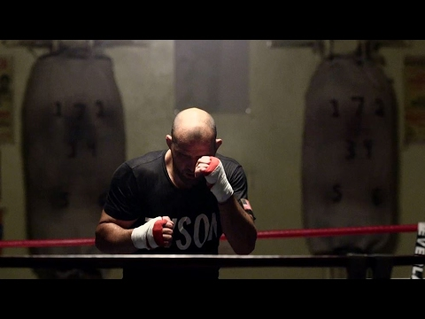 UFC 208: Glover Teixeira Visits Mike Tyson's Former Gym