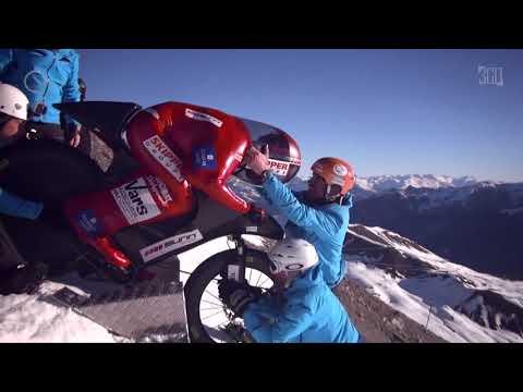Snow Mountain Bike. Crazy descent Extreme Sports
